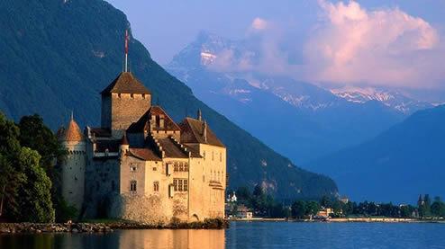 Chateau-de-Chillon-lake-geneva-switzerland-viafrancigena-francigenaways1